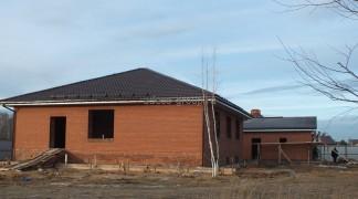 Построенные дом и гараж