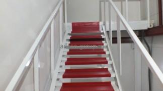 Лестница в фирменном стиле